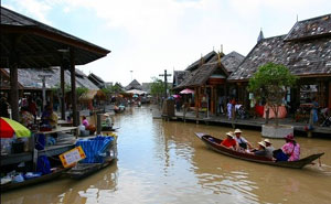 Thai Floating Market Pattaya